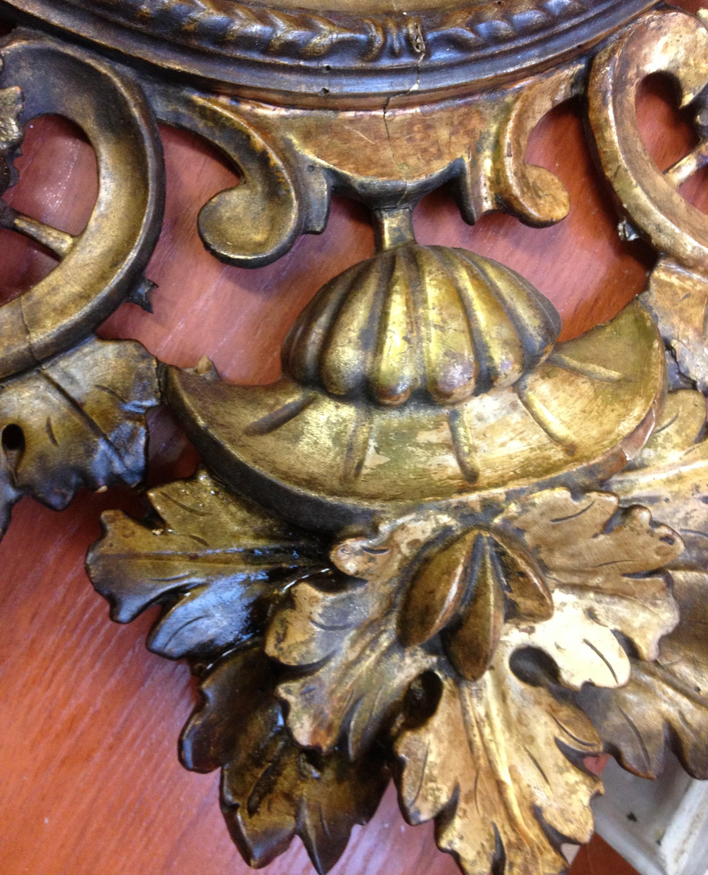 Restauración de marco antiguo de oro fino - Taller Estuco